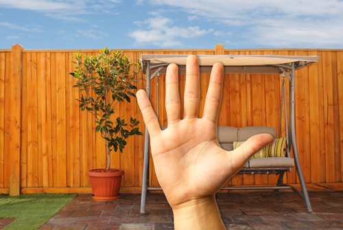 5 Factors to Consider Before Shopping for a Fence