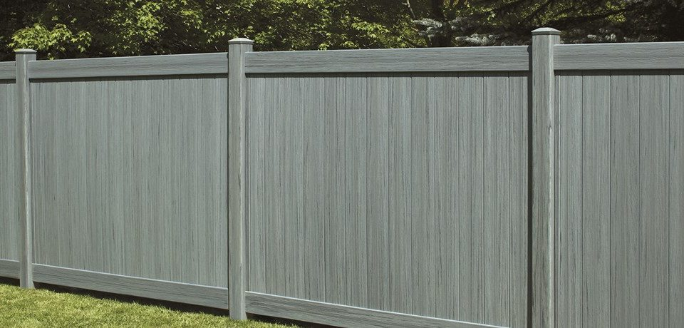 Why Vinyl Fence is the Most Popular Choice for the New England Climate