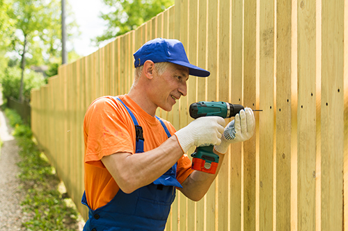 What You Need to Know and Ask When Hiring a Fencing Contractor