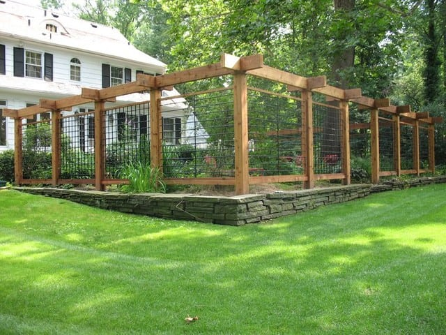 Advantages of Natural Cedar Fencing