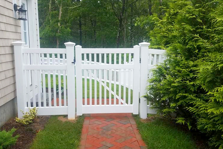 Top 5 Reasons Why AVO's Vinyl Gates Are Built to Last