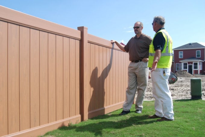 Contractors: Guiding Homeowners to Better Fence Decisions